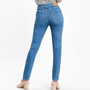 Levi's 721 high rise skinny blue jeans